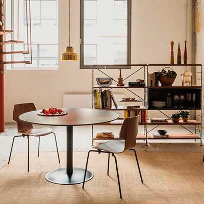 Un outlet con muebles de diseño